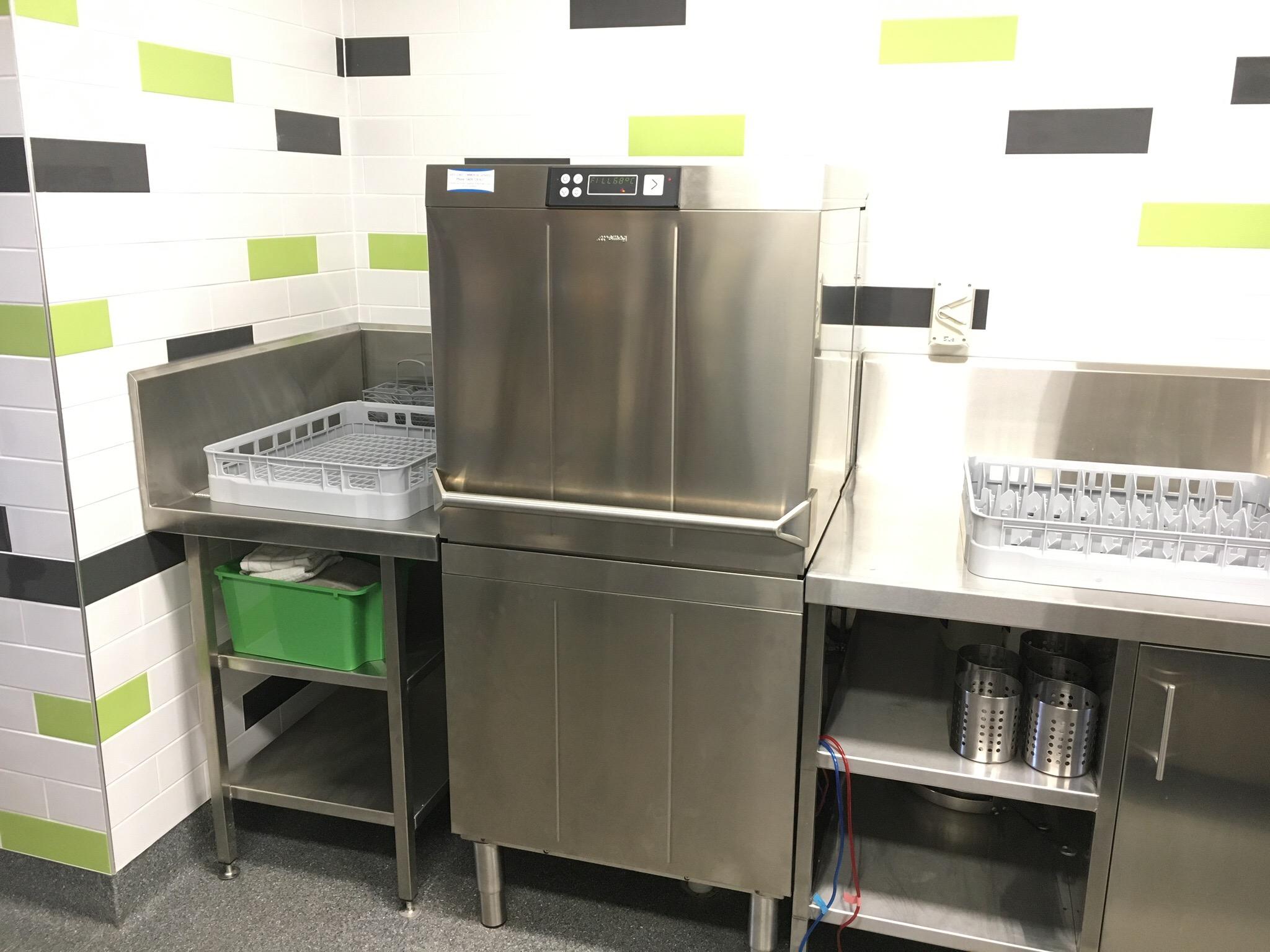 Smeg 600 500 Rack Commercial Dishwasher Gccs